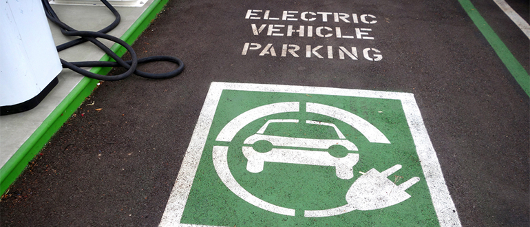 Electric vehicle charging for hotels and restaurants